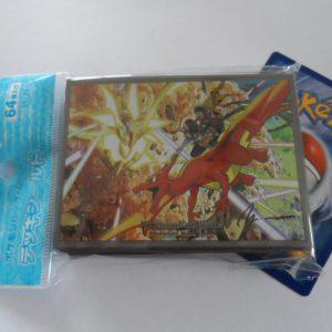 64 Japanse Pokemon TCG sleeves, kaart hoesjes Charizard Necrozma