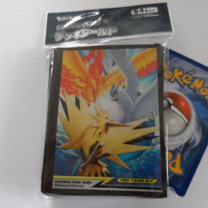 64 Japanse Pokemon TCG card sleeves, kaart hoesjes Moltres, Zapdos en Articuno